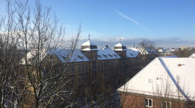 Schule im Winter, Fotografie Harro Wolter